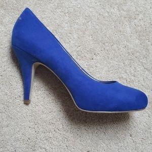 Madden girl pumps, sz 8. Royal blue suede